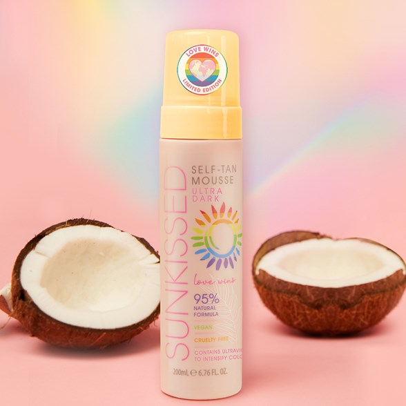 Sunkissed Ultra Dark Mousse Limited Edition Love Wins
